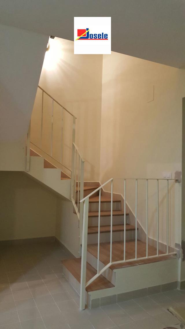 Escalera materiales polvero sevilla polvero josele materiales de construcci n en sevilla - Materiales de construccion sevilla ...