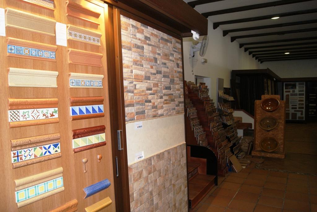 Azulejos exposici n polvero josele polvero josele materiales de construcci n en sevilla - Materiales de construccion sevilla ...